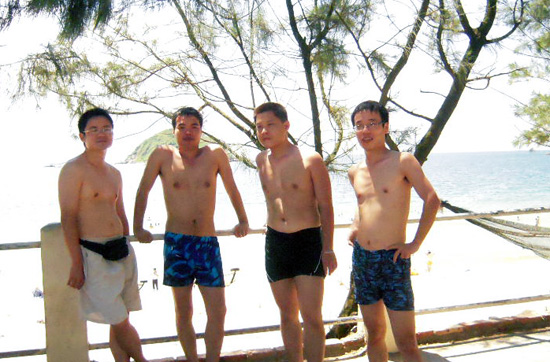 深圳南澳西涌海滩游泳