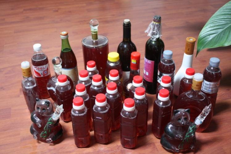 葡萄酒的酿制方法,自制葡萄酒的做法(转)
